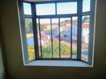 Alugar Apartamento / Padrão em Botucatu R$ 850,00 - Foto 3