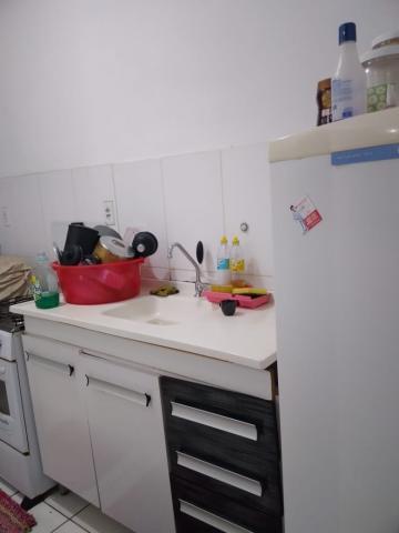 Comprar Apartamento / Padrão em Botucatu R$ 130.000,00 - Foto 3