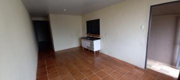 Alugar Casa / Padrão em Botucatu R$ 650,00 - Foto 3