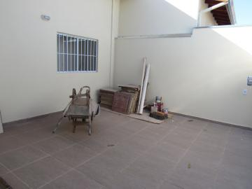 Alugar Casa / Padrão em Botucatu R$ 2.200,00 - Foto 2