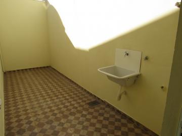 Alugar Casa / Padrão em Botucatu R$ 2.200,00 - Foto 16