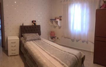 Comprar Casa / Condomínio em Botucatu R$ 695.000,00 - Foto 3