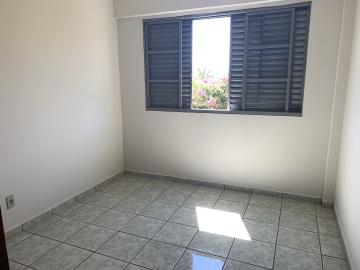 Comprar Apartamento / Padrão em Botucatu R$ 190.000,00 - Foto 7