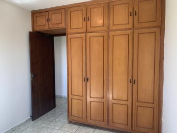 Comprar Apartamento / Padrão em Botucatu R$ 190.000,00 - Foto 8