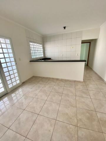 Comprar Casa / Padrão em Botucatu R$ 370.000,00 - Foto 1