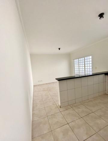 Comprar Casa / Padrão em Botucatu R$ 370.000,00 - Foto 2