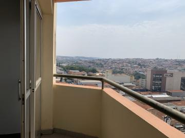 Alugar Apartamento / Padrão em Botucatu R$ 1.400,00 - Foto 4