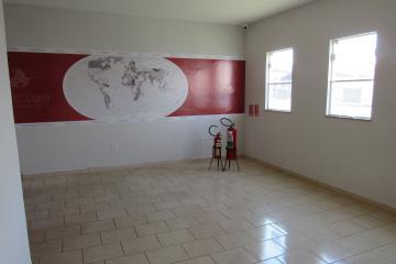 Alugar Comercial / Ponto Comercial em Botucatu R$ 3.300,00 - Foto 3