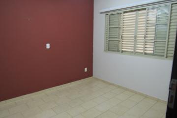 Alugar Comercial / Ponto Comercial em Botucatu R$ 3.300,00 - Foto 8