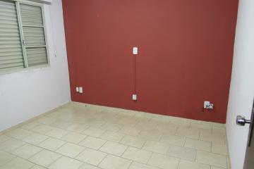 Alugar Comercial / Ponto Comercial em Botucatu R$ 3.300,00 - Foto 9