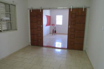 Alugar Comercial / Ponto Comercial em Botucatu R$ 3.300,00 - Foto 11