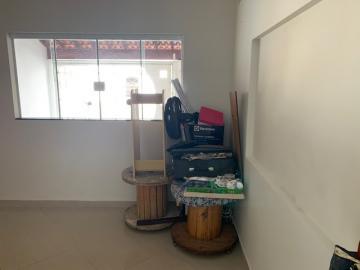 Comprar Casa / Padrão em Botucatu R$ 270.000,00 - Foto 2
