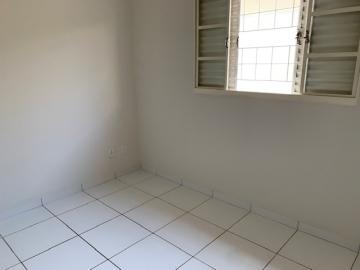 Comprar Casa / Padrão em Botucatu R$ 270.000,00 - Foto 6