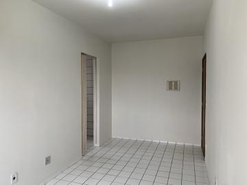 Alugar Apartamento / Padrão em Botucatu R$ 800,00 - Foto 3