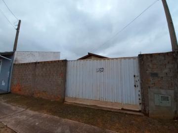 Alugar Casa / Padrão em Botucatu R$ 750,00 - Foto 1