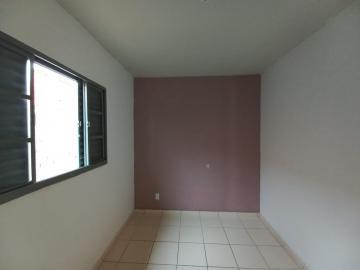 Alugar Casa / Padrão em Botucatu R$ 750,00 - Foto 5