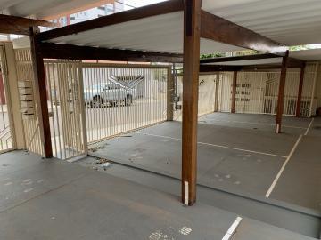 Alugar Casa / Condomínio em Botucatu R$ 750,00 - Foto 4