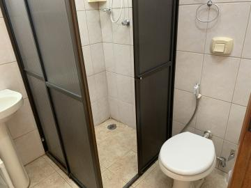 Alugar Casa / Condomínio em Botucatu R$ 750,00 - Foto 8